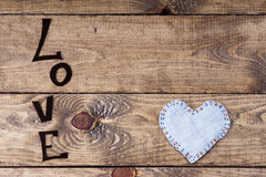 Amour de Word et forme de coeur Photos stock