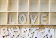 Amour de Word fait avec l'alphabet en bois de lettres Photo libre de droits