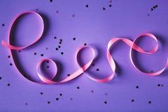 AMOUR de Word fait de bande rose Image libre de droits