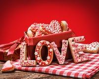 Amour de Word pour faire des biscuits cuire au four Photo libre de droits