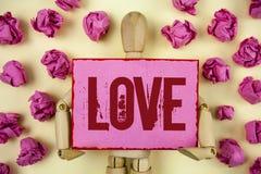 Amour des textes d'écriture Concept signifiant des relations sexuelles romantiques d'attachement d'affection profonde intense de  Images stock
