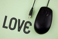 Amour des textes d'écriture de Word Concept d'affaires pour des relations sexuelles romantiques d'attachement d'affection profond Images stock