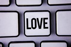 Amour des textes d'écriture de Word Concept d'affaires pour des relations sexuelles romantiques d'attachement d'affection profond Photo stock