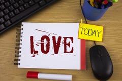 Amour des textes d'écriture de Word Concept d'affaires pour des relations sexuelles romantiques d'attachement d'affection profond Photo libre de droits
