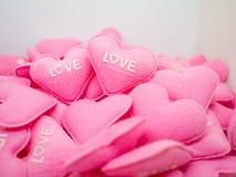 Amour doux de coeur de rose en pastel avec le whitebackground Images libres de droits