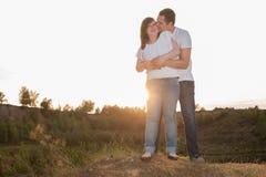 Amour doux sur une falaise Photographie stock libre de droits