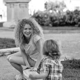 Amour du `s de mère Enfant et mère Photo stock