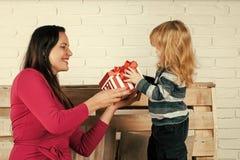 Amour du `s de mère vacances et lendemain de Noël d'anniversaire Photo libre de droits