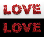 Amour effectué à partir des pétales de rose rouges Photo libre de droits