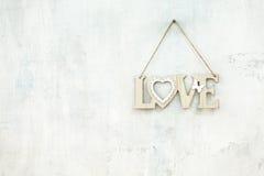 Amour en bois d'inscription sur la corde Images libres de droits