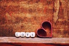 Amour en bois de forme de coeur de fond Photo libre de droits