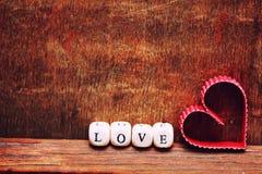 Amour en bois de forme de coeur de fond Images stock