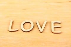 Amour en bois des textes Photos stock