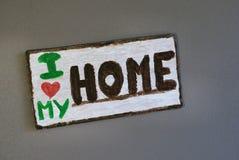Amour en bois du signe I de mur de décor à la maison ma maison Photos libres de droits