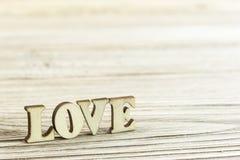 Amour en gros plan de mot fait de bois Photo libre de droits