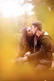 Amour en parc Photos libres de droits