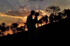 Amour en silhouette Photo libre de droits