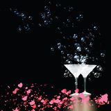 Amour en verre de Martini de couples photos stock