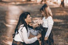 Amour entre la mère et la fille Photographie stock