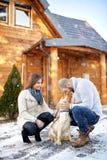 Amour entre le chien et le propriétaire Photo stock