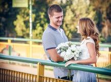 Amour et affection entre un couple Images stock