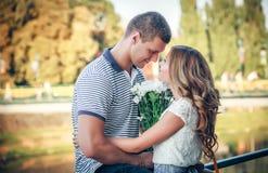 Amour et affection entre un couple Photo libre de droits