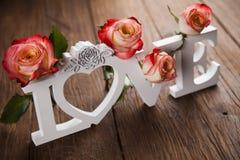 Amour et coeur en bois de lettres Image libre de droits