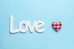 Amour et coeur sur le fond bleu Photos stock