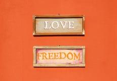 Amour et liberté d'inscription Images stock