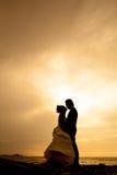 Amour et Rometic de couples de Sillhouette Images libres de droits