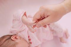 Amour et soin parentaux Images stock