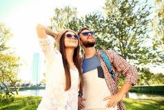 amour heureux de couples de fond au-dessus de blanc de sourire Photo libre de droits