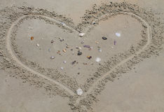 Amour, inscription sur le sable, Photo libre de droits