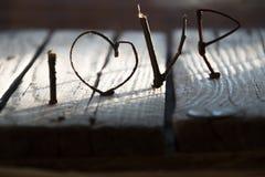 AMOUR ou idée heureuse de jour de valentines Image libre de droits