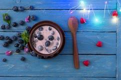 Amour pour la nourriture saine Coeurs et guirlandes Images stock