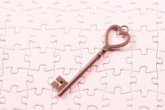 Amour, puzzle de clé de concept de valentine Photos stock