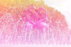 Amour rêveur sentant le fond lumineux Image libre de droits