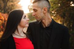 Amour, relations, saison et concept de personnes - fin  photographie stock libre de droits
