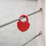 Amour Romance de serrure rouge de coeur Photographie stock libre de droits