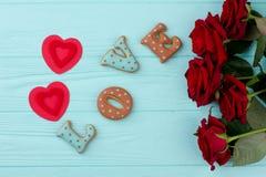 Amour, roses et coeurs de Word Photos stock