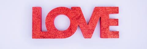 AMOUR rouge de signe Concept de Saint Valentin L plat minimalistic à la mode Images stock