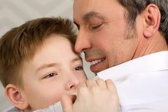 Amour sincère de parent et d'enfant Images libres de droits