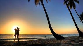 Amour sur la plage photographie stock libre de droits