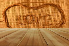 Amour sur le fond en bois Photos stock