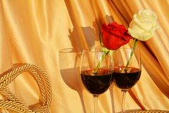 Amour, vin et roses Photographie stock