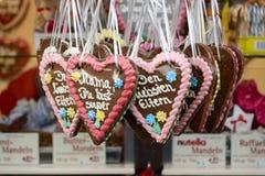 Amoureux dans la stalle au marché de Noël, Stuttgart Images stock