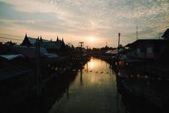 Ampawa de beroemde het drijven van Thailand markt Stock Foto