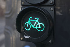 Ampeln für Radfahrer Stockfotos