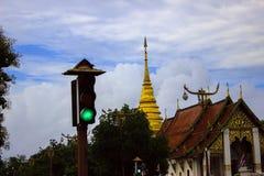 Ampeln vorderer Tempel lizenzfreie stockfotos