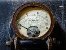 Amperímetro que ofrece el vidrio roto Foto de archivo